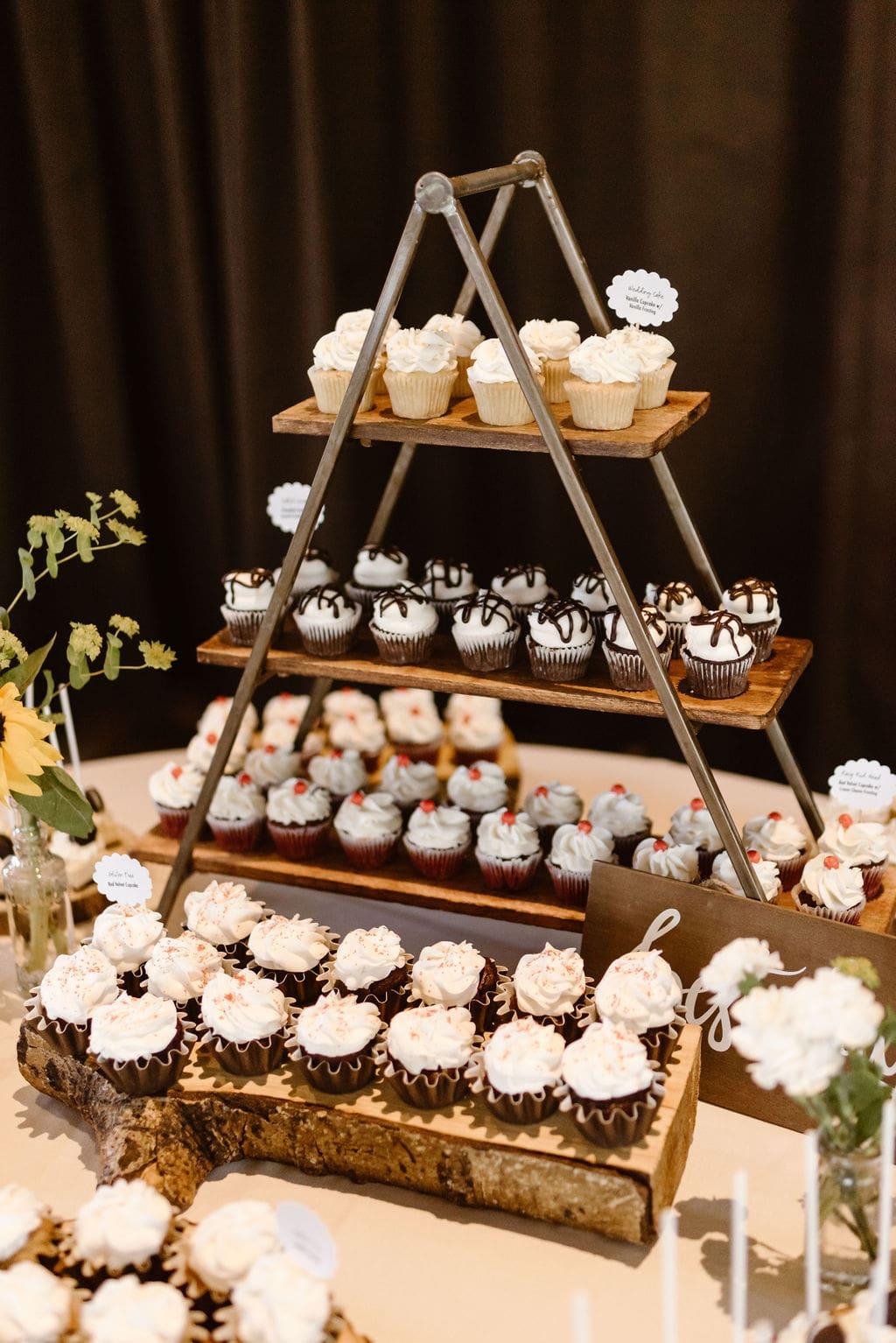 Ten mile station wedding reception Cake